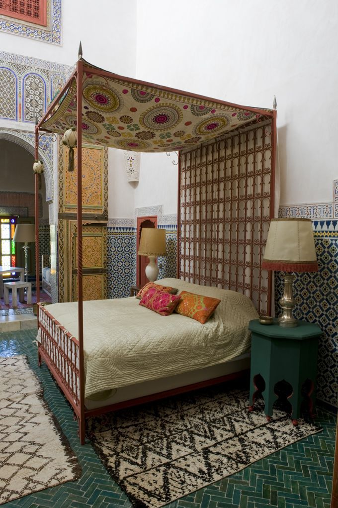 Moroccan bedroom in a Tangiers riad No comment muebles