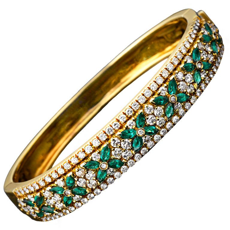 Tiffany Co Emerald Diamond Bangle Bracelet Sparkling