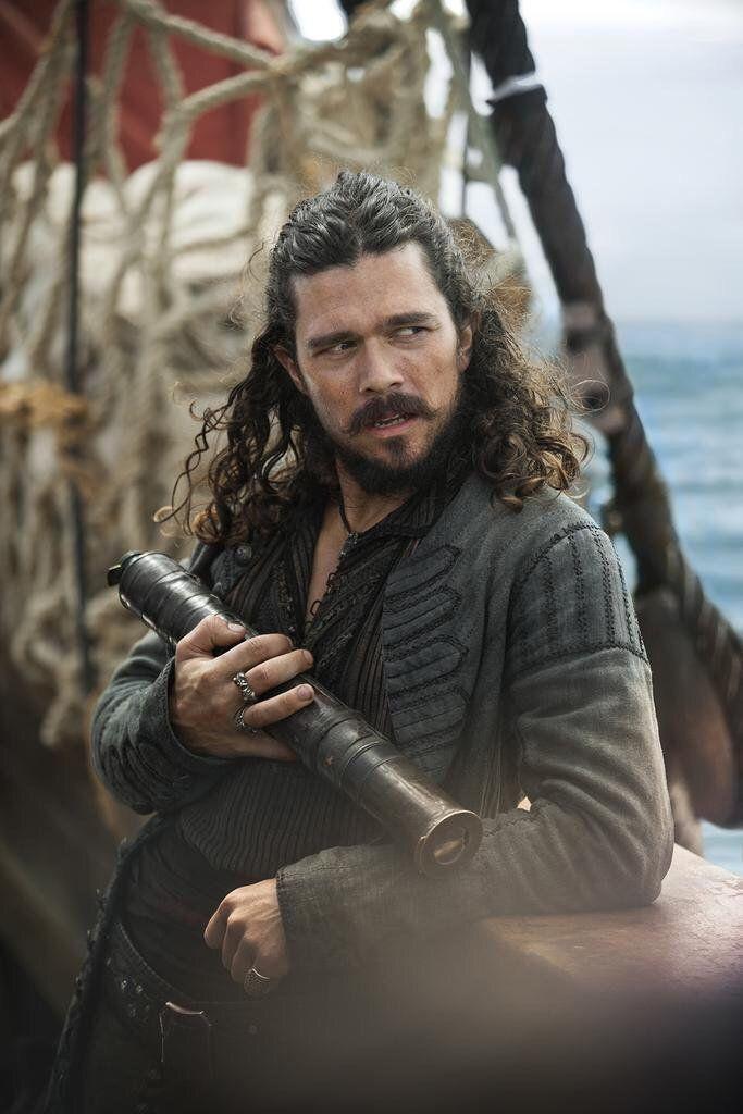 Luke Arnold as Long John Silver (Black Sails Season 3)