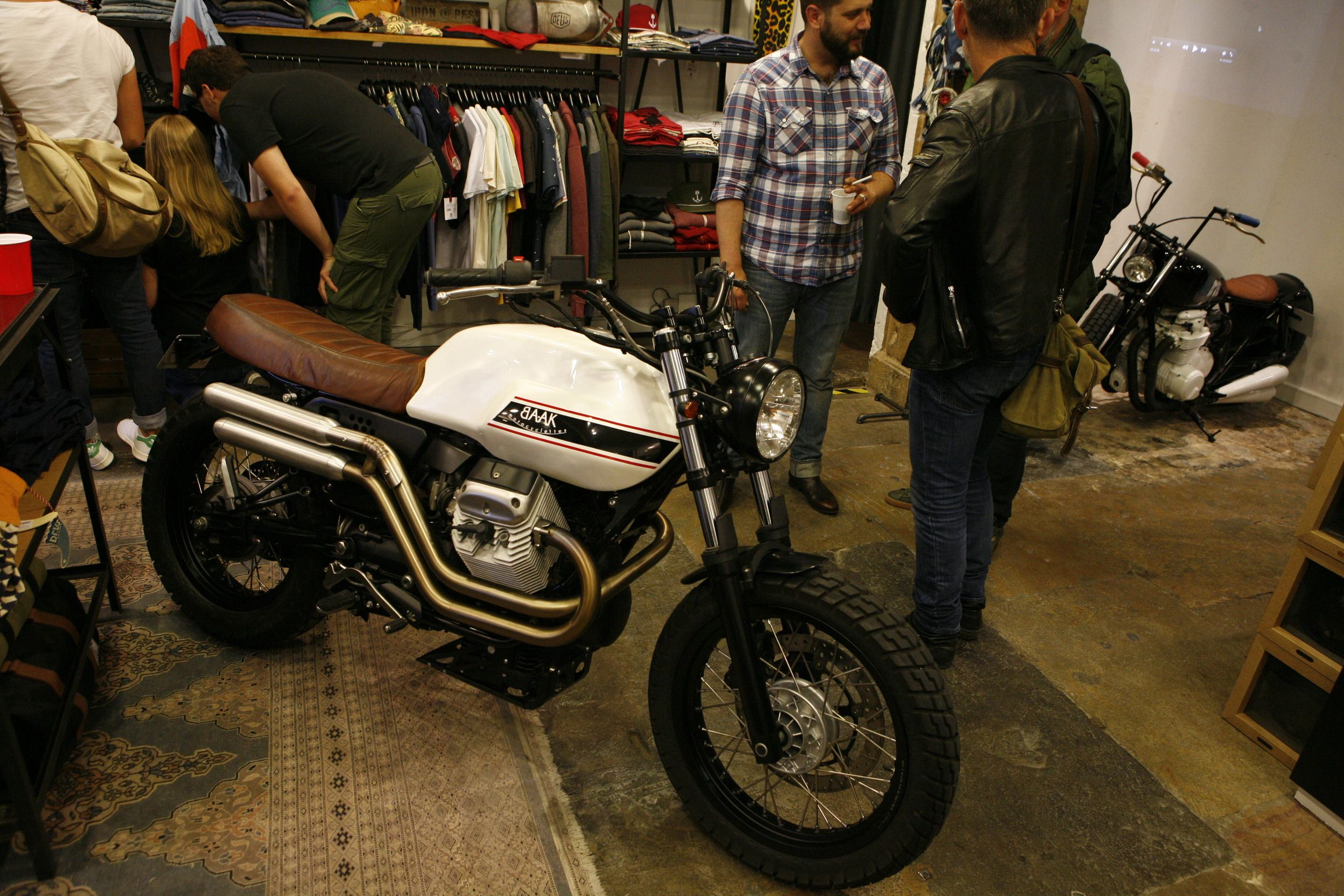 our motoguzzi v7 scrambler exposed at the royal racer shop in lyon don 39 t touch it just ride. Black Bedroom Furniture Sets. Home Design Ideas