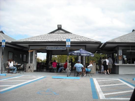 2500 Ne 163rd St North Miami Beach Fl 33160 3901 Blue Marlin Fish House Vista Desde El With Images North Miami Beach Florida Miami Beach Restaurants North Miami Beach