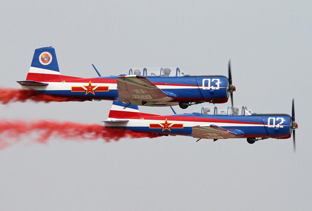 Chine - Équipe de démonstration de Sky Wing Air CJ-6 Nanchang