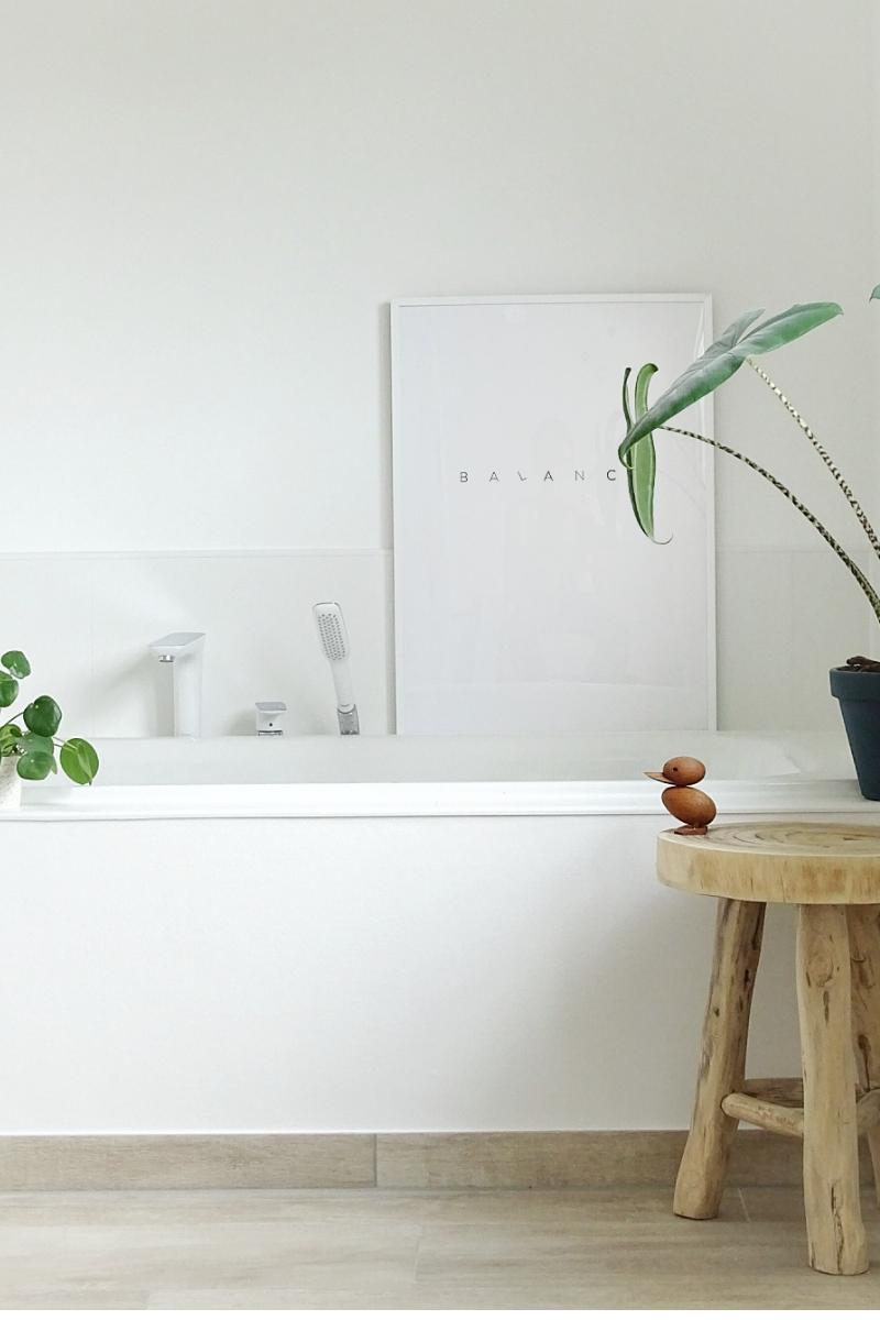 Wohlfuhloase Badezimmer Minimalistisch Weiss Trifft Holz