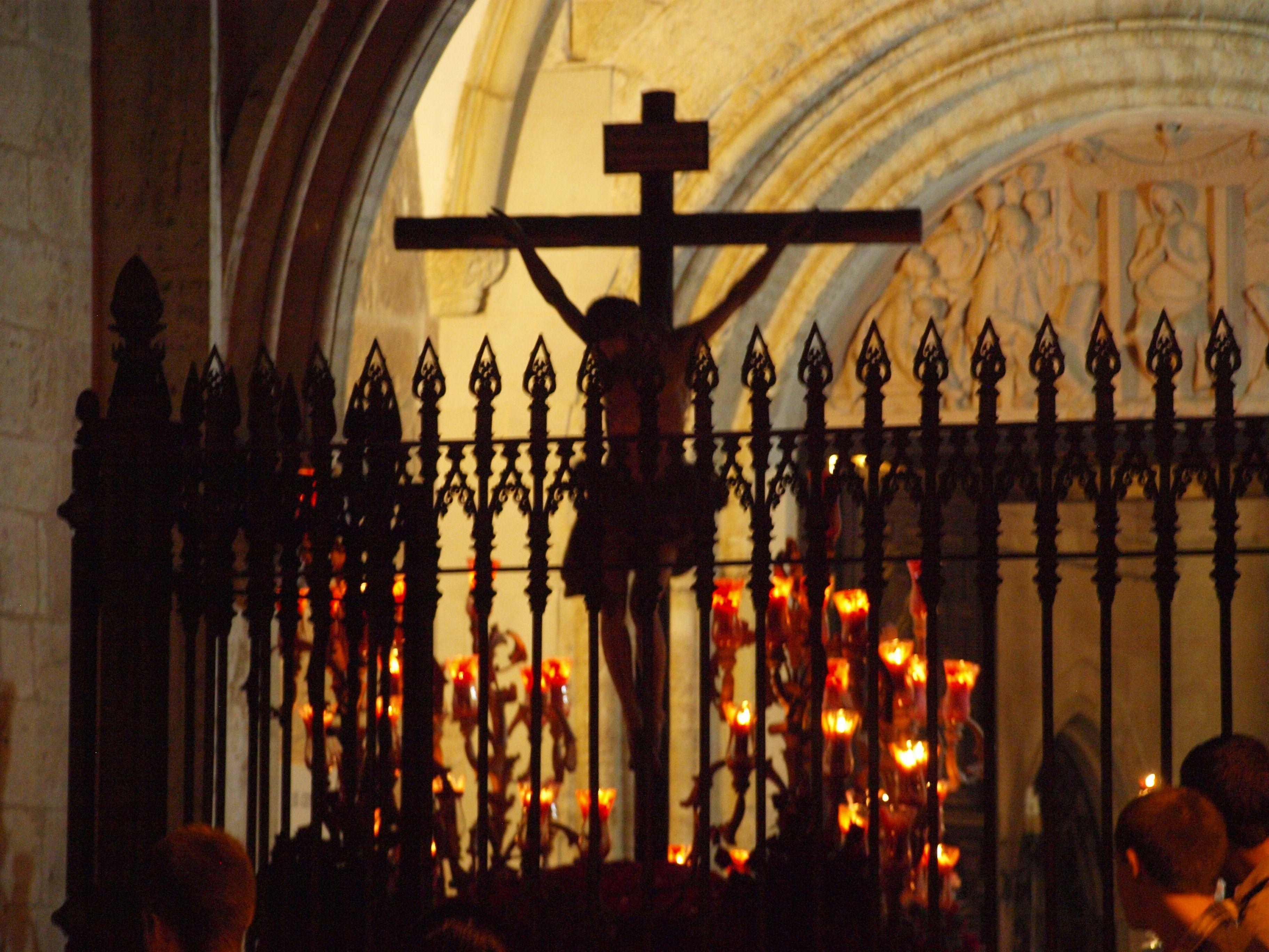 Fotografía de José Antonio Sobrino Gómez.Entrada del Cristo de la Piedad -Ciudad Real- Realizada con cámara