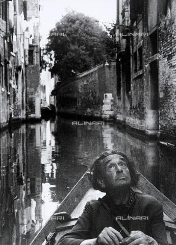 Ritratto del fotografo Ferruccio Leiss, Bonzuan Mario * 1958 Raccolte Museali Fratelli Alinari (RMFA)-archivio Leiss, Firenze