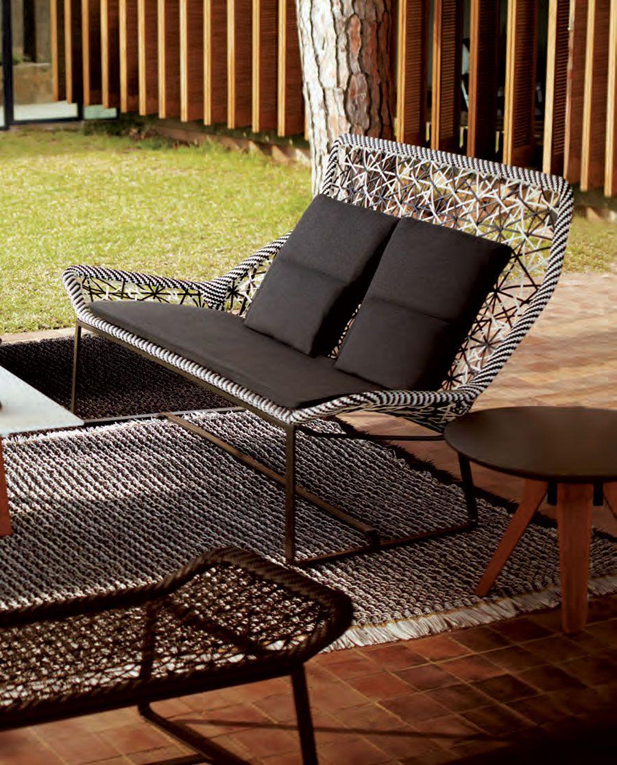 Para Aprovechar La Pequena Terraza Sillas Al Aire Libre Muebles De Jardin Pequena Terraza