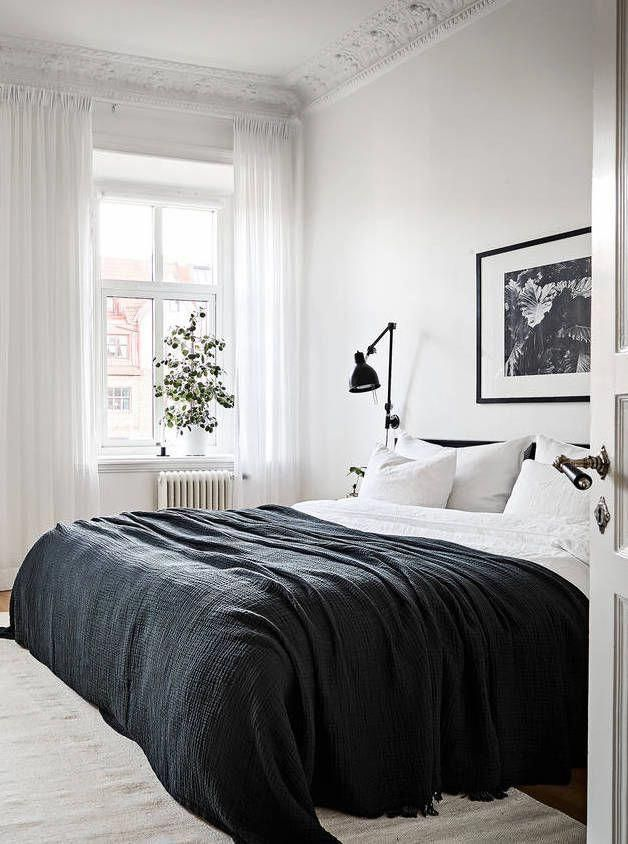 A beautiful wall covering shelf – via Coco Lapine Design #minimalbedroom Ev Aksesuarları