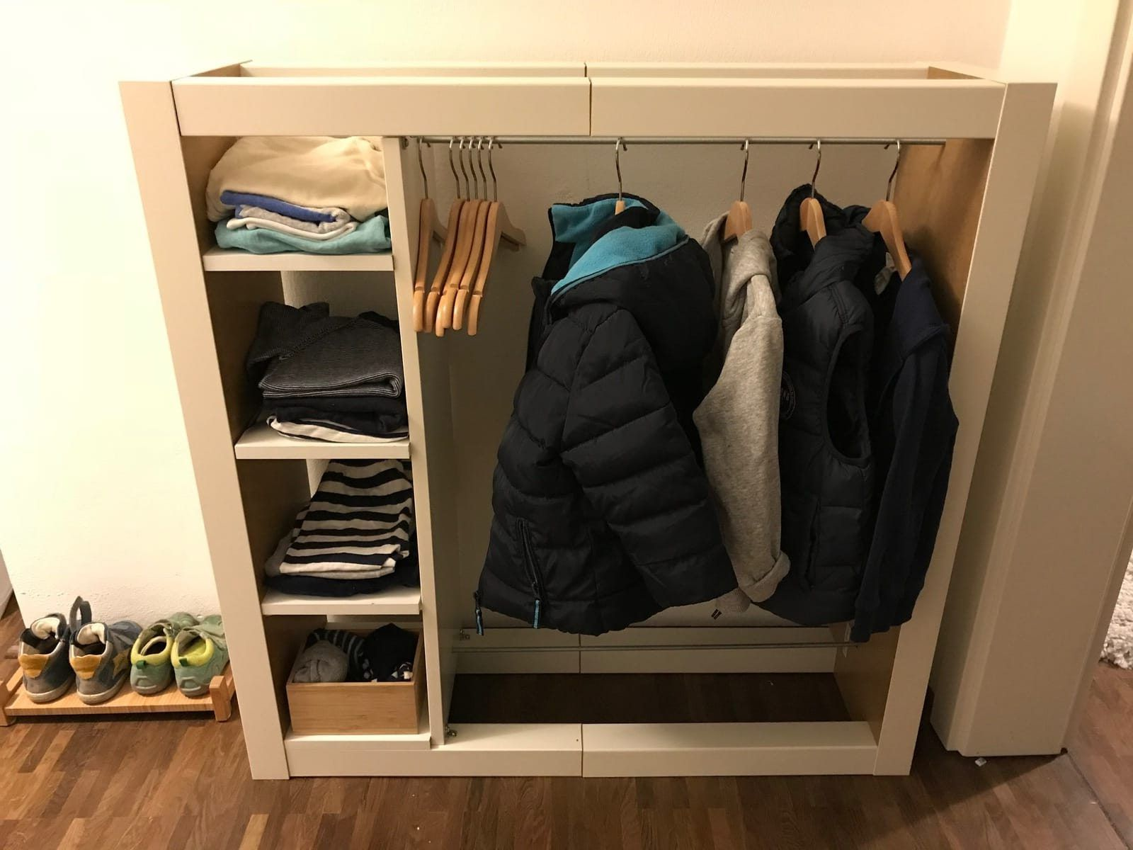 Montessori Home Kleiderschrank Nach Maria Montessori