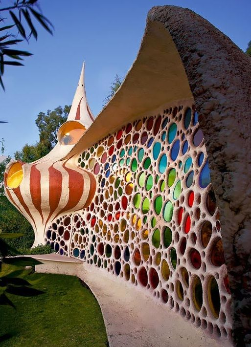 Bizarre Snail Shaped House In Mexico