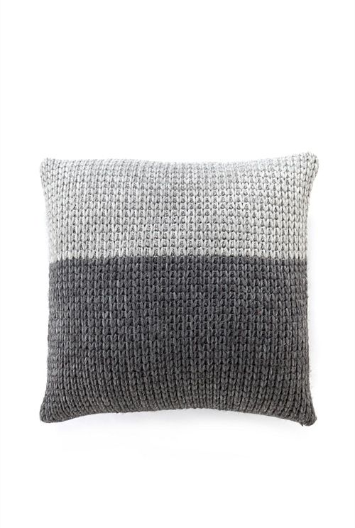Knitted Cushion Cover From Country Road Rg Pinte