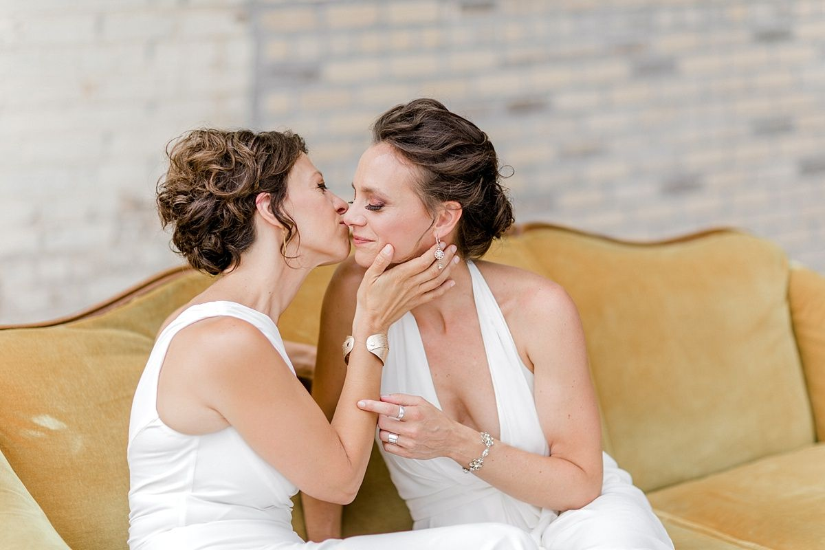 Etsy Weds Eng Tat And Sheena S Diy Wedding At Reddot Brewhouse Diy Wedding Wedding Red Dots