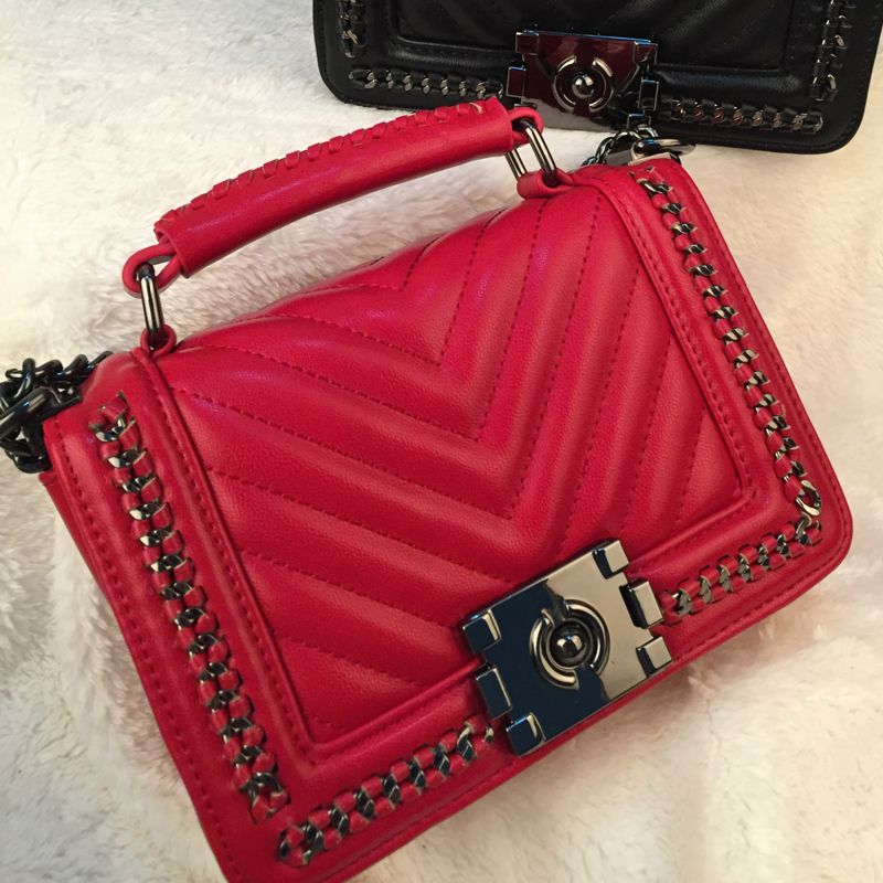 2016 new arriveal hot sale women shoulder bag v type pu leather women  fashion handbag chains 0122bb5c0d623