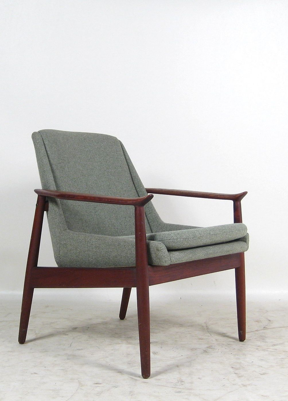Arne vodder 810 teak armchair for slagelse m belvaerk for Mobili danesi