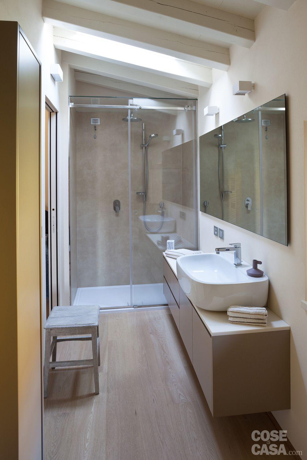 Una Casa Con Ambienti Moderni A Sfondo Rustico Design Per Bagno