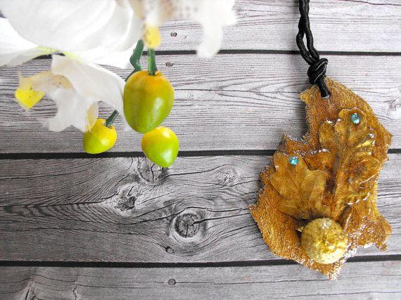 Botanical necklace nature necklace botanical pendant por FamDdaear