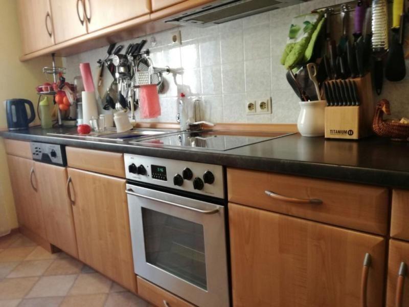 Verkauft wird eine gebrauchte Küche inkl. E-Herd, Geschirrspüler und ...