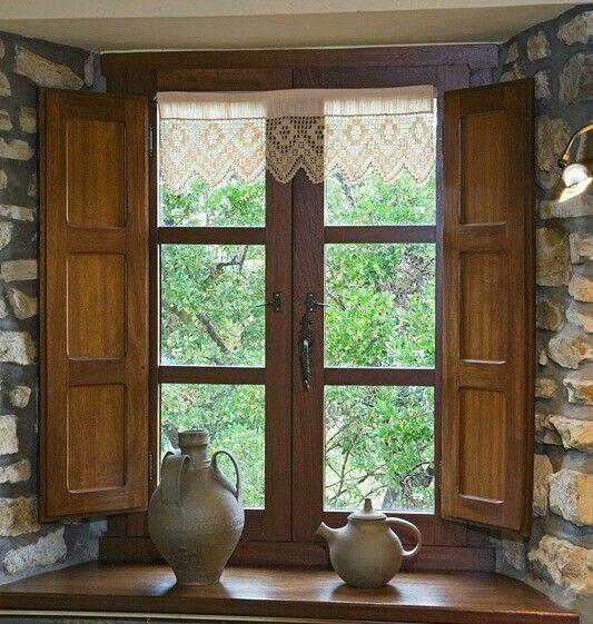 Pin by on ideal for sitio ventanas de madera for Puertas para casas rusticas