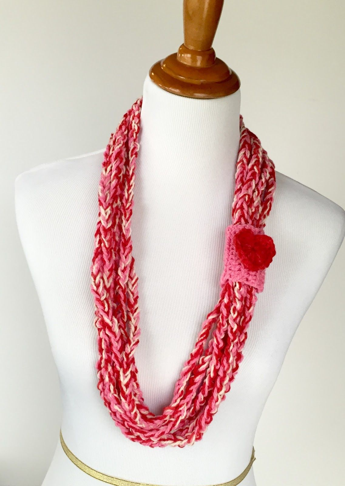 Crochet chain necklace - would do in \