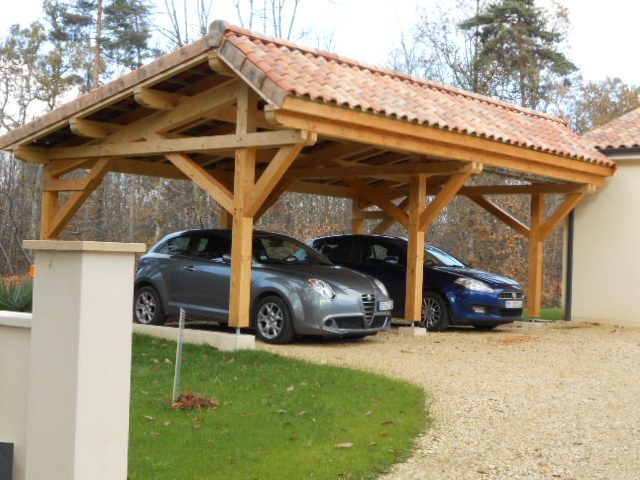 abris de voiture vente d 39 un carport en bois asym trique deux places zunanja garnitura. Black Bedroom Furniture Sets. Home Design Ideas