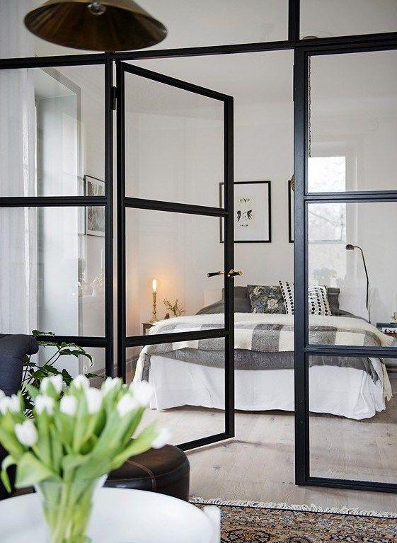 Un piso pequeño con paredes de cristal | Vidrio, Aberturas y ...