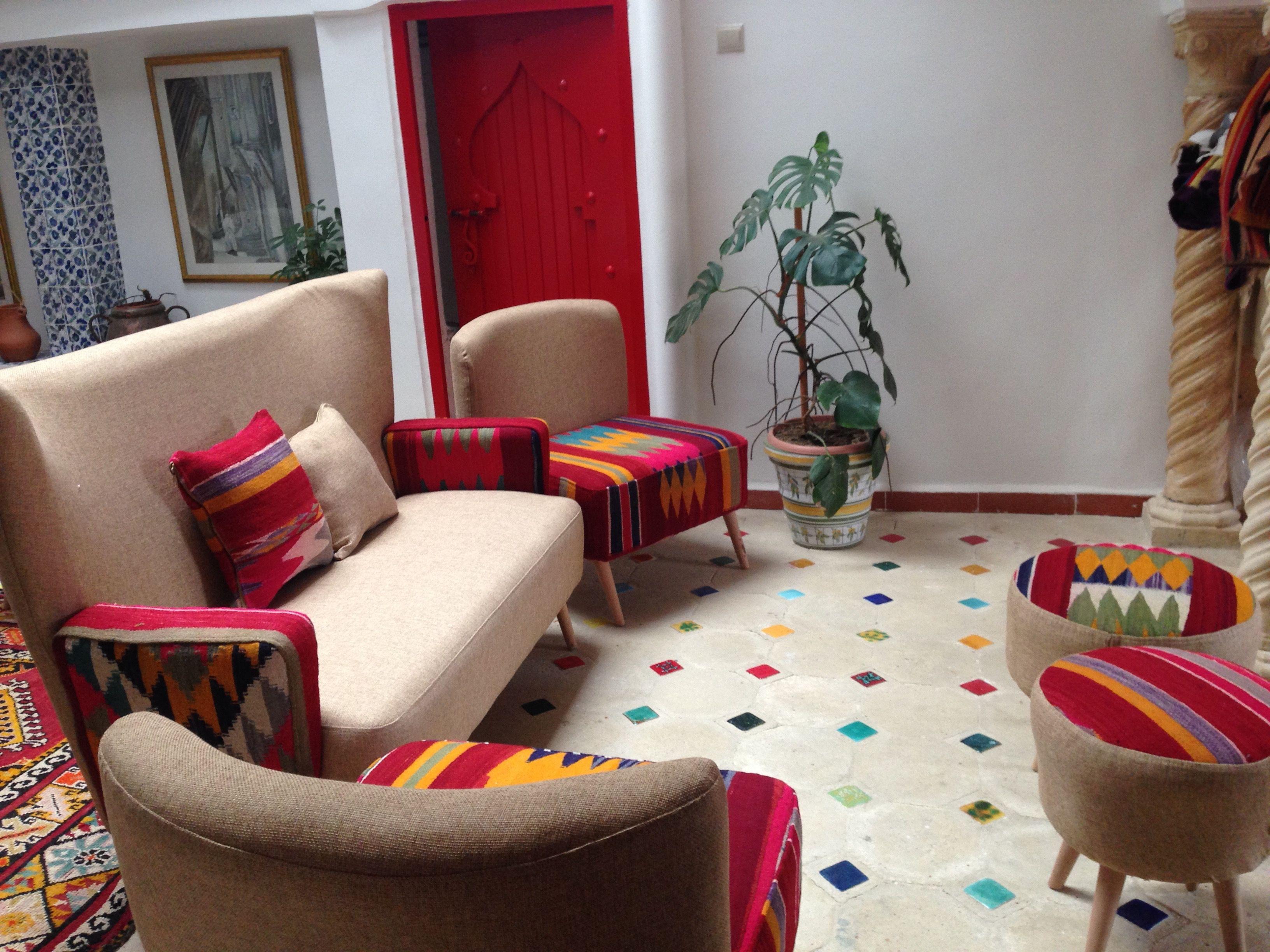Divan Fauteuils Tabourets By La Dwira Chic Boutique Alger Telemly Hotel Aurassi Artisanat Design Alger Algerie Hassibabo Home Decor Home Decor
