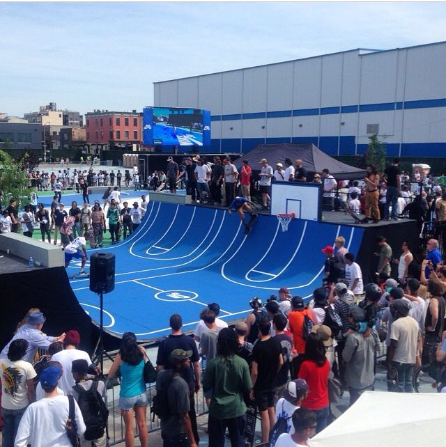 Nike Sb Pop Up Skate Spot Brooklyn Ny Skateboarding Tricks Skate Ramp Sport Event