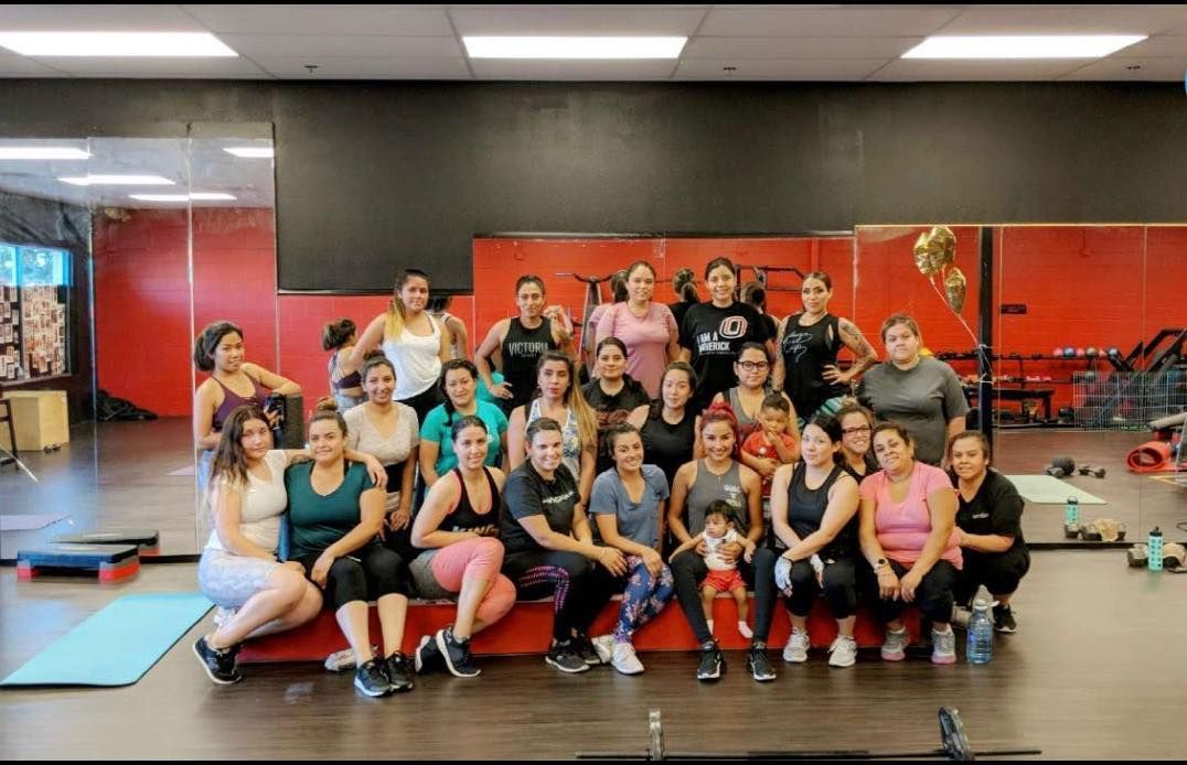 Gym fam 💪🏽 #powerhousefitness #family #motivation #fitness