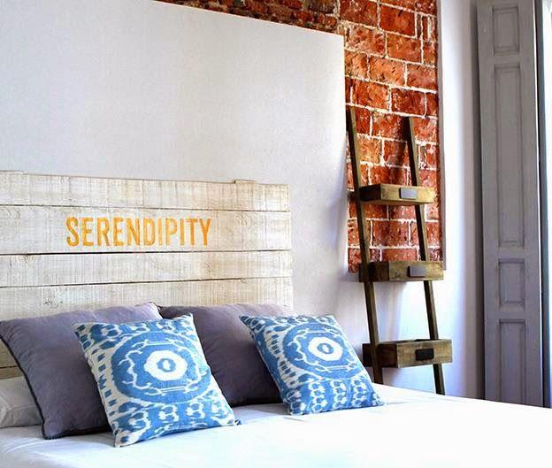 Arquitetura do Imóvel : Azul é lindo e nos faz muito bem porque relaxa nosso corpo e mente.