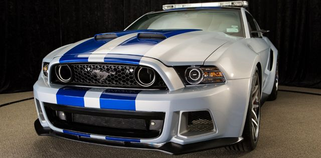 2015 White Mustang blue racing stripe