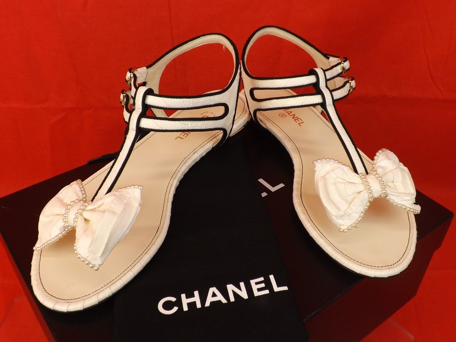 16p nib chanel white snake leather bow pearls cc thong flats sandals 37 5 1200