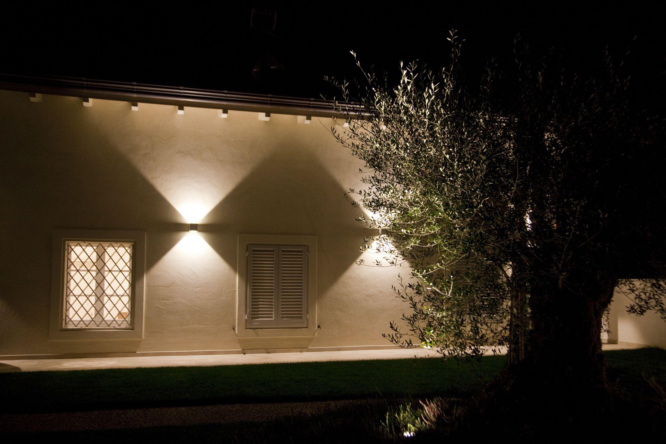 Eclairage Exterieur Des Effets De Lumiere Fascinants Grace Aux Appliques Murales Cube De Concord By Fei Eclairage Exterieur Led Eclairage Exterieur Eclairage