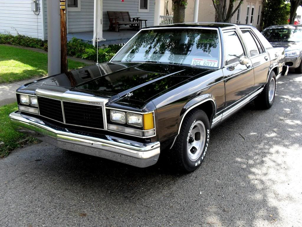 1985 crown vic similar to casey 39 s cool cars pinterest. Black Bedroom Furniture Sets. Home Design Ideas
