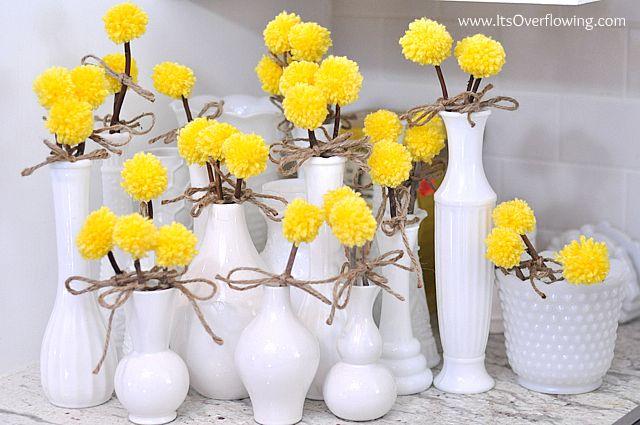 gorgeous summer mantle idea- looks like dandelions