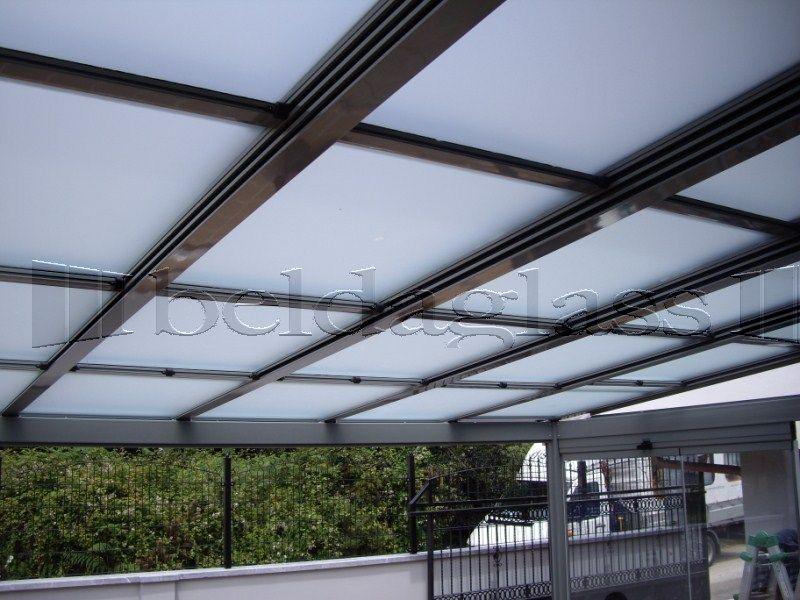 Terraza cubierta con techo movil de policarbonato techos for Ideas de techos para terrazas