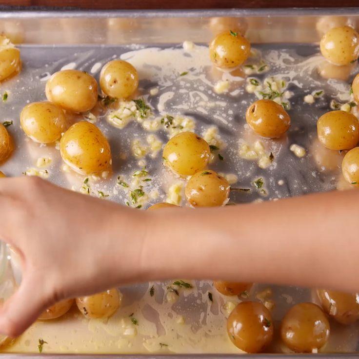 Garlic Smashed Potatoes #garlic #potatoes #smashed #healthyrecipes