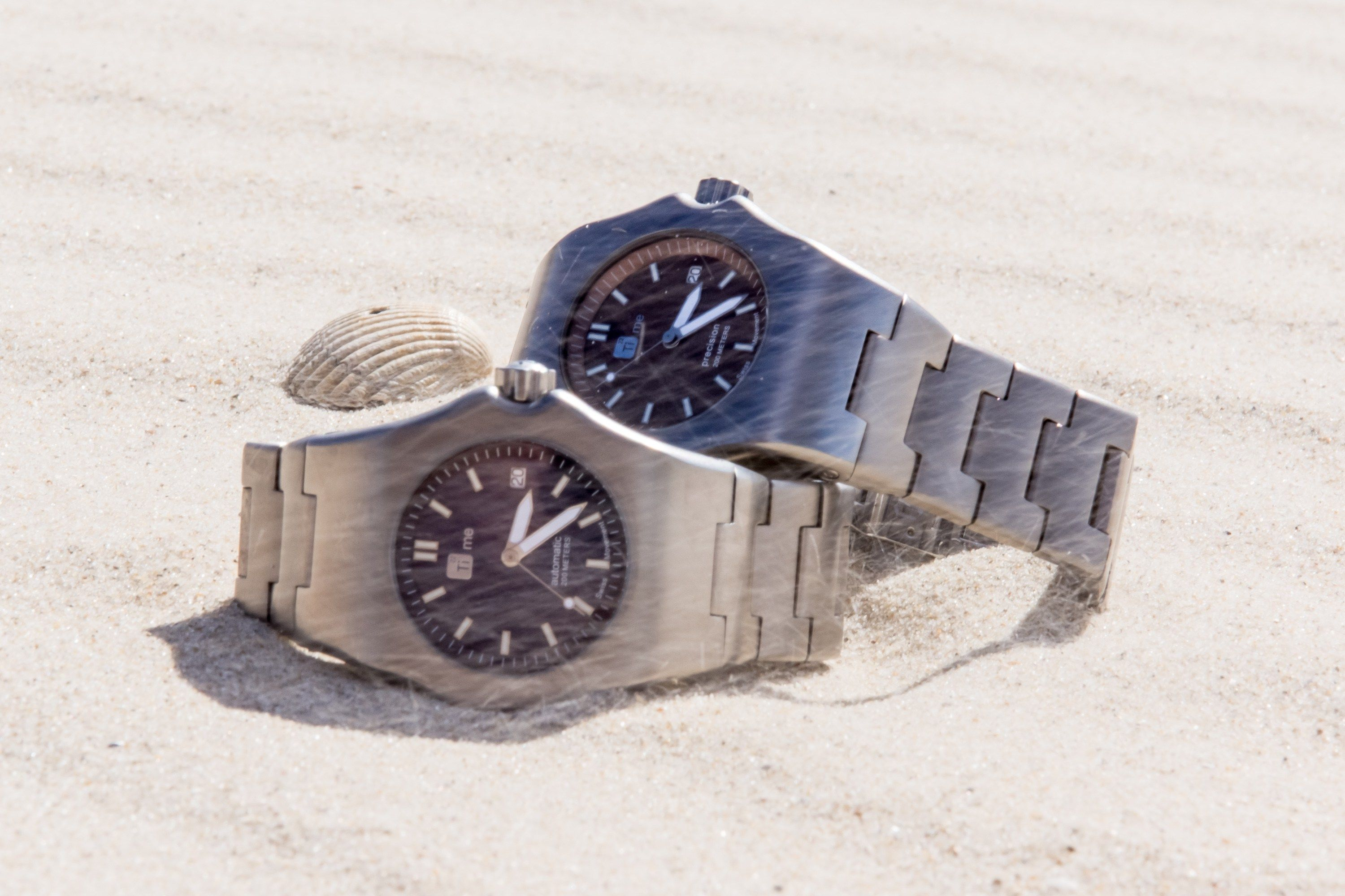 Robusto:+The+Strongest+Watch+Made+From+Titanium+By+TIME22