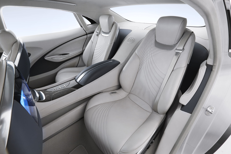 Buick shocks detroit with rear wheel drive avenir concept