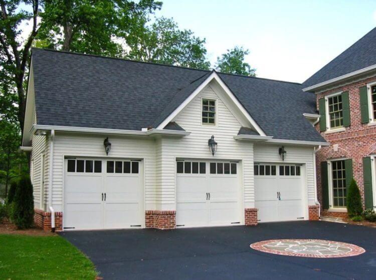 40 Best Detached Garage Model For Your Wonderful House Carriage House Garage Carriage House Plans Garage Apartment Plans