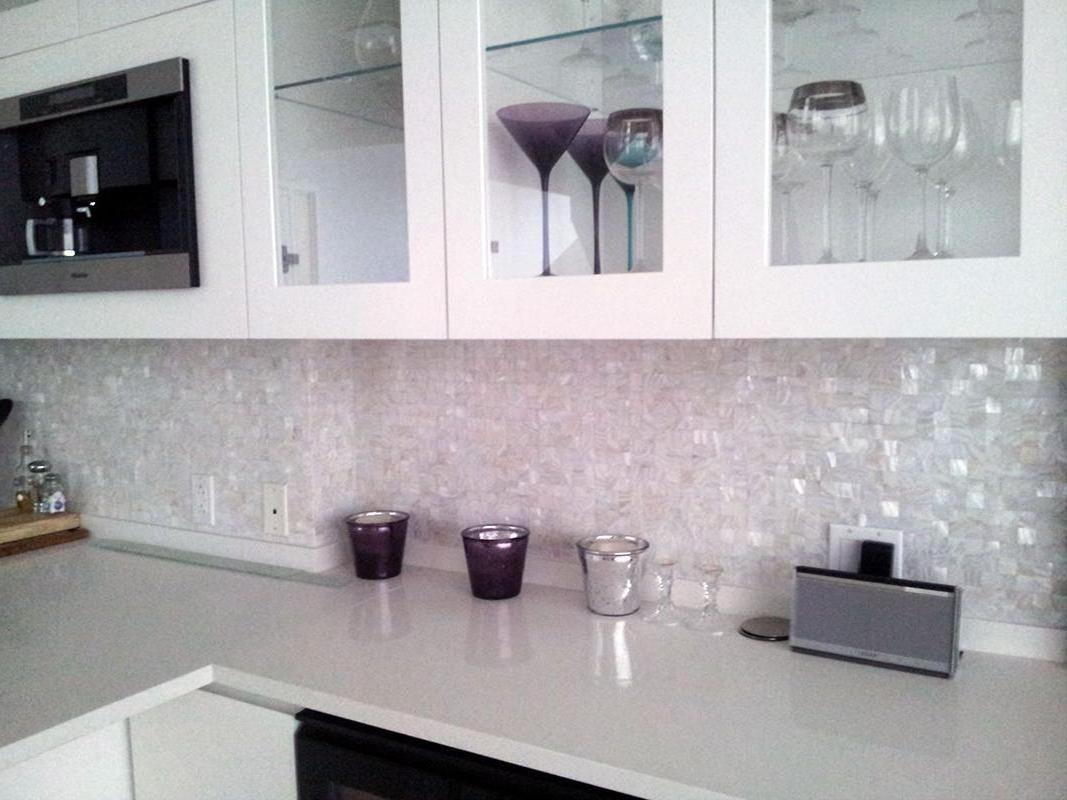 White Mosaic Tile Kitchen Backsplash | http://jubiz.info | Pinterest ...