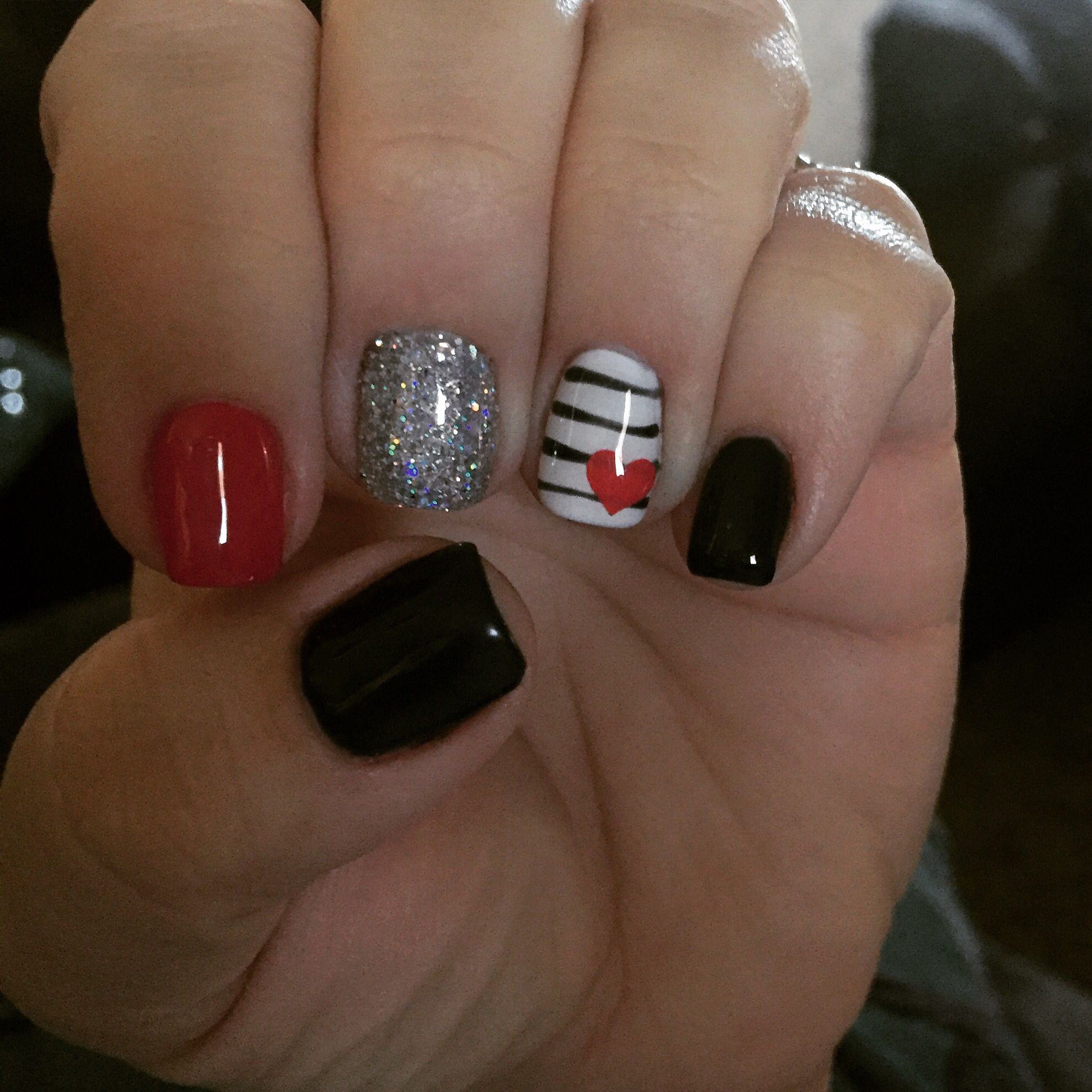 Red Black And White Valentine Nails Gel