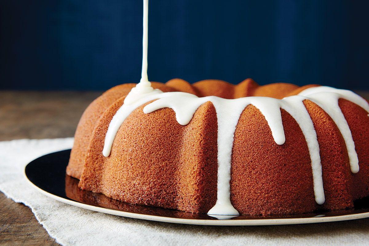 Glutenfree almond bundt cake