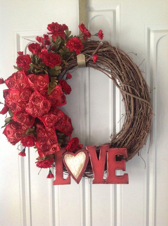 valentines wreath by tammysflowersandmore on etsy holiday stuff valentine day. Black Bedroom Furniture Sets. Home Design Ideas