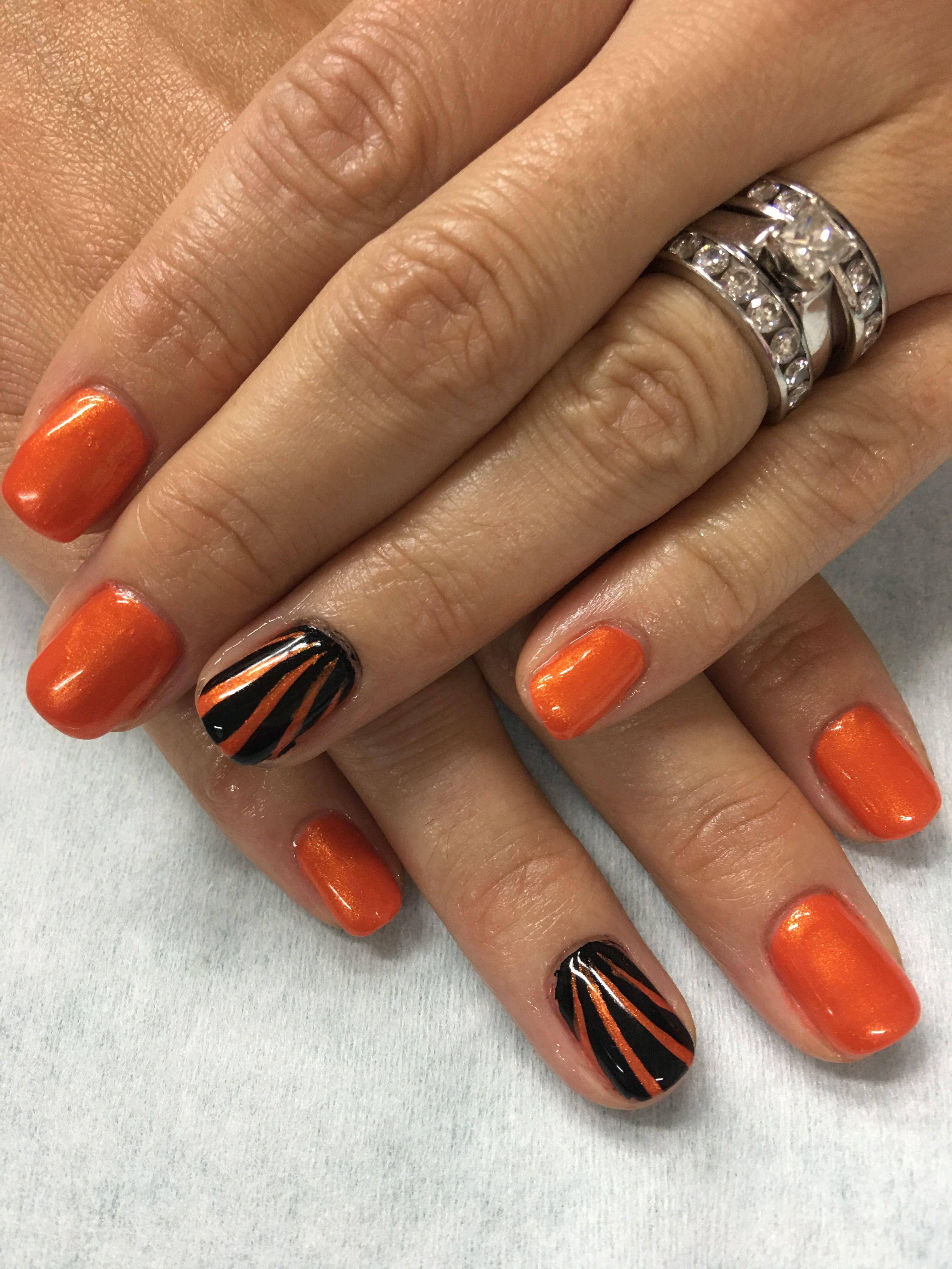Orange And Black Stripe Fall Halloween Gel Nails Gel Nails Glitter Gel Nails Striped Nail Designs