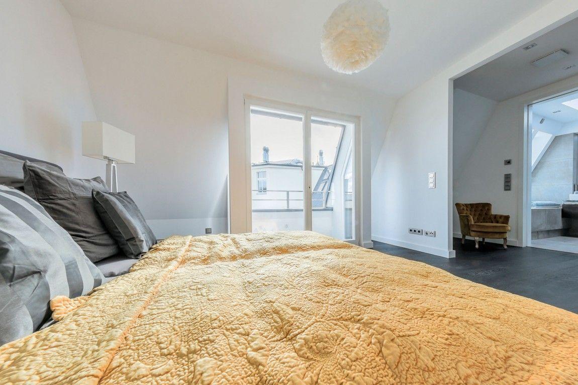 Una mansarda minimalista a Berlino   Dormire in mansarda   Pinterest