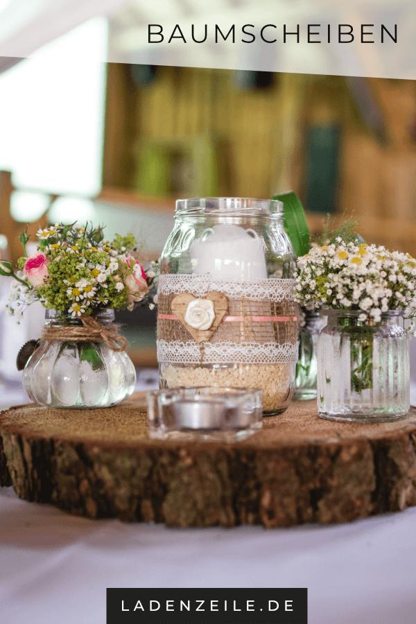 Baumscheiben für die romantische Tischdeko zur Hochzeit #holzscheibendeko