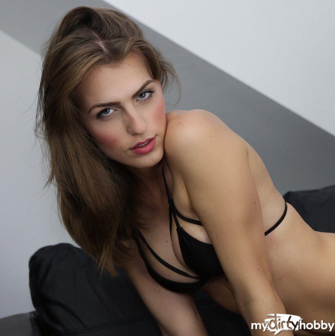 Nicole-Charming
