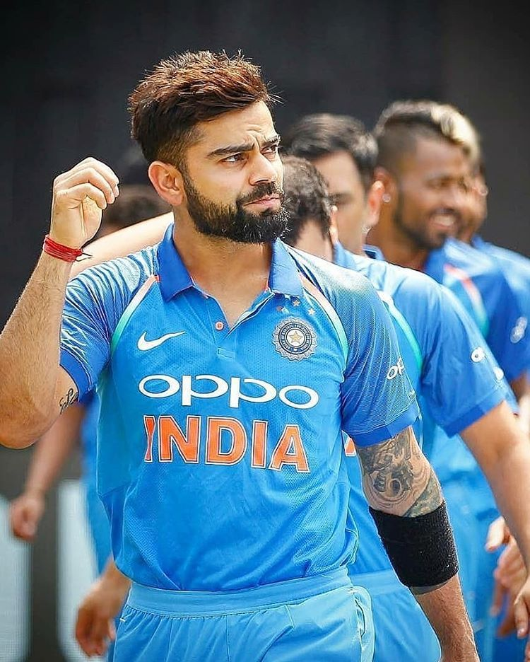 Edged And Gone That S A Big Wicket Virat Kohli Fells A Beautiful Delivery From Anush Virat Kohli Instagram Virat Kohli Wallpapers Virat Kohli Hairstyle