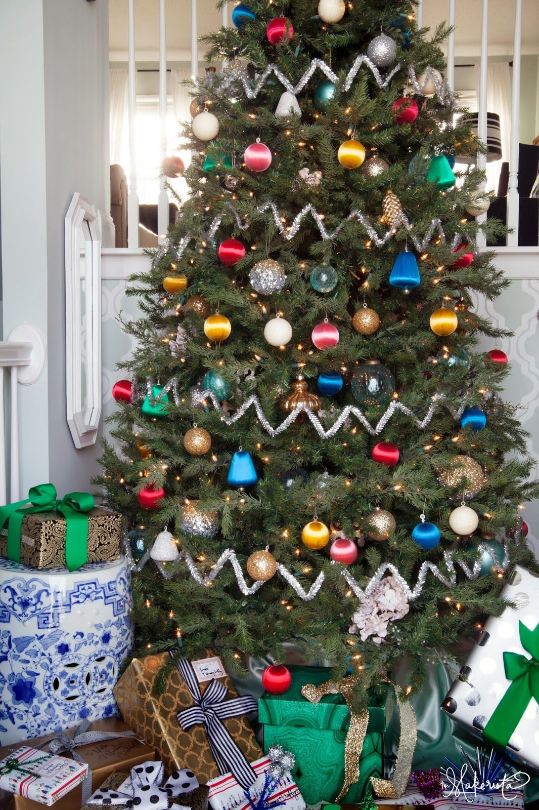 The Makerista: Our Colorful Tree   Zig Zag Tree