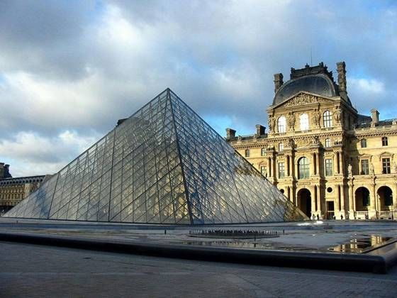 Parijs The Louvre