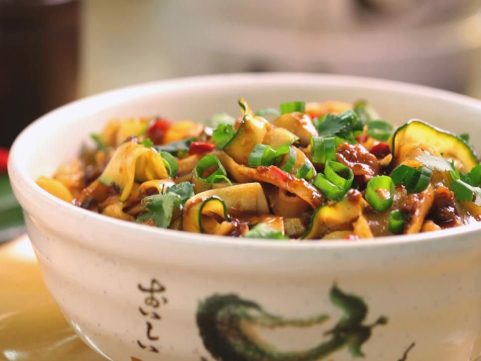 Best chinese noodle recipes pictures recipes cooking channel best chinese noodle recipes pictures recipes cooking channel chinese food recipes forumfinder Image collections